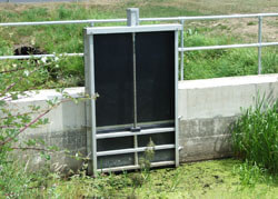 Wall Mounted HDPE/Stainless Steel Penstock